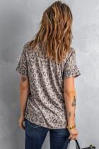 T-shirt leopardata marrone con scollo a V anteriore