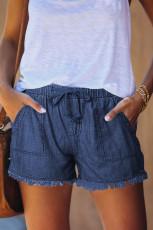 Lässige Jeans-Shorts mit ausgefransten Taschen