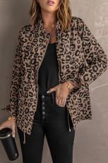 Brauner Mantel mit Reverskragen und Reißverschluss mit Kordelzug