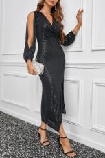 Schwarzes Paillettenkleid mit V-Ausschnitt und Schlitz am Ärmel