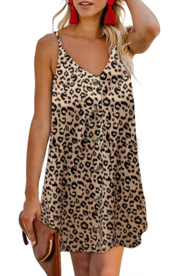 Vestido estilo camisola con botones y estampado de leopardo