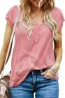 Camiseta de manga corta con mezcla de algodón con detalle de botones rosados