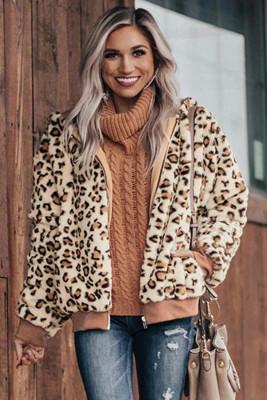 Chaqueta de leopardo de felpa acogedora de color caqui