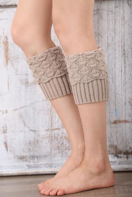جوارب تدفئة الساق محبوك باللون البيج