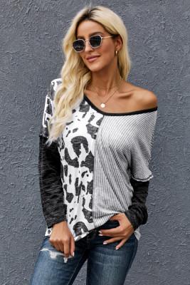 Blusa con estampado de manchas en gris