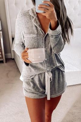 ملابس نوم بأزرار رمادية بأكمام طويلة