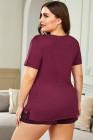Conjunto de pantalones cortos a rayas y camiseta sólida roja de talla grande