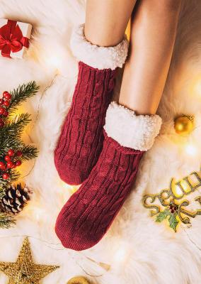 جوارب قطيفة مريحة دافئة محبوكة باللون الأحمر