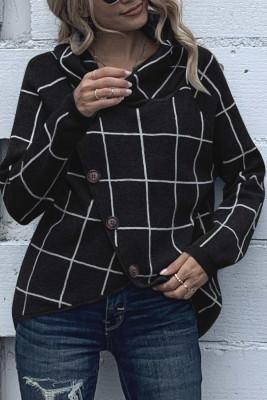 Черный вязаный свитер с принтом и водолазкой с пуговицами и запахом