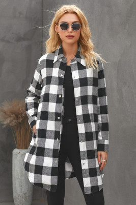 Abrigo estilo camisa a cuadros con cuello vuelto negro