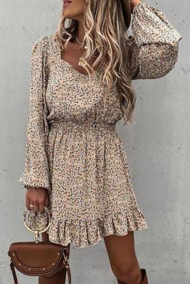 Платье цвета хаки с эластичной талией и оборками с цветочным принтом