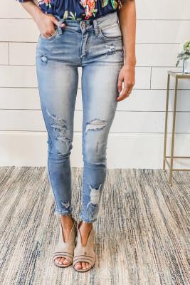 جينز بخصر متوسط الارتفاع