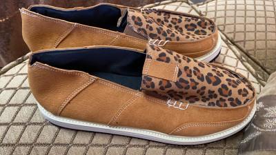 ليوبارد الربط حذاء قماش مسطح