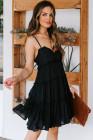 فستان قصير مكشكش بأشرطة سباغيتي أسود