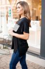 Camiseta de manga corta negra con bolsillo de lentejuelas