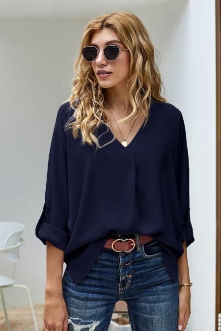 Синяя рубашка с v-образным вырезом и рукавами 3/4 с высоким низким подолом
