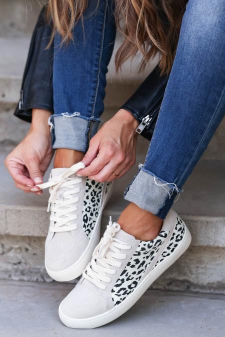 حذاء رياضي كاجوال بنقشة جلد الفهد رمادي