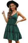 Mini-robe froncée à volants et bretelles spaghetti verte