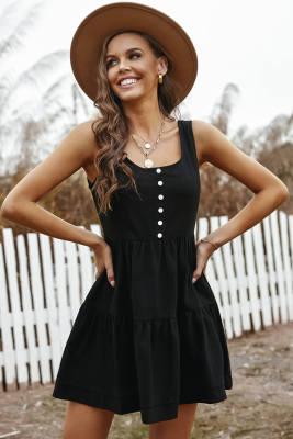 فستان أسود قصير مكشكش