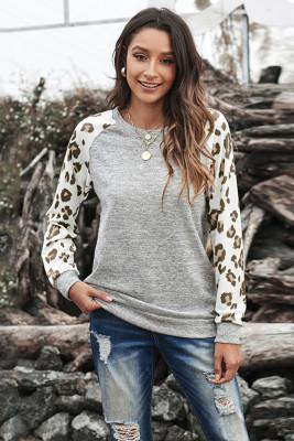 Top gris de manga larga de leopardo con cuello redondo