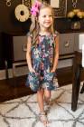 فستان زهري بأكمام مكشكشة باللون الرمادي للفتيات الصغيرات مع جيوب