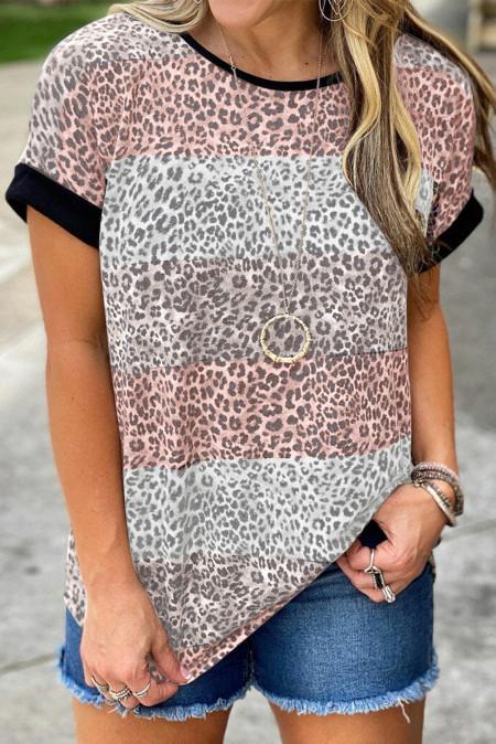 Camiseta rosa con estampado de leopardo