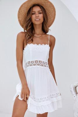 Vestido lencero hueco de crochet blanco con dobladillo con volantes