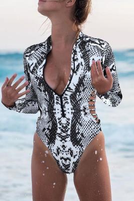 رمادي - بدلة سباحة واقية من الطفح الجلدي بطبعة ثعبان وسحاب مقصوص