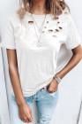 Camiseta blanca de mezcla de algodón con cuello redondo y agujeros