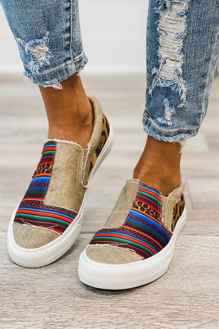 حذاء رياضي مخطط بنقشة جلد الفهد