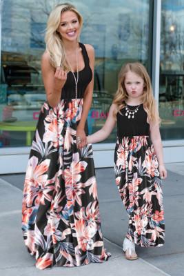فستان ماكسي للأطفال بأكمام طويلة وطبعة زهور باللون الأسود من أمي وابنتها
