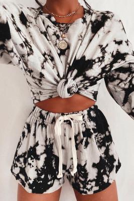 Ensemble short noir à manches longues et cordon de serrage imprimé tie-dye