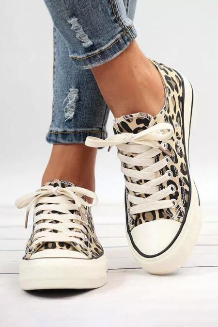 حذاء قماش بأربطة بطبعة الفهد