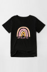 Camiseta negra con estampado mini arcoíris para padres e hijos