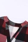 Top de manga corta con cuello en V y estampado de cuadros rojos