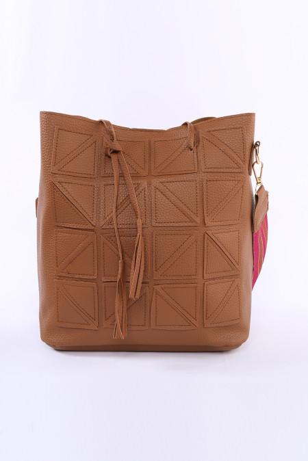 حقيبة دلو كروسبودي بو هندسية بنية اللون