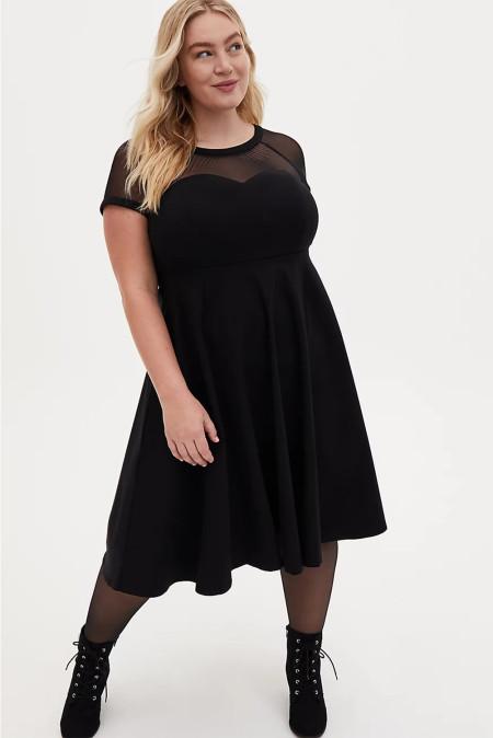 Vestido a media pierna de malla con cuello redondo, manga corta, cintura alta y talla grande, negro