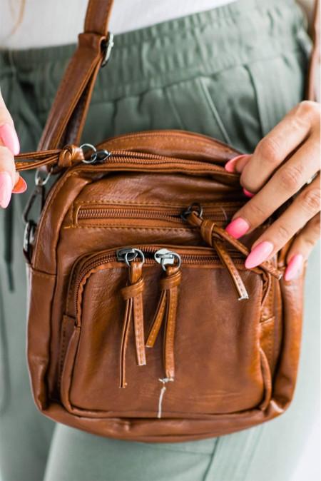 حقيبة كروس من الجلد النباتي ذات سعة كبيرة متعددة الطبقات بنية