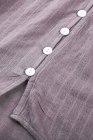 Пурпурный кружевной топ на пуговицах крючком