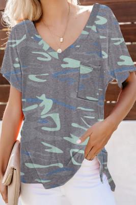 Camiseta de camuflaje con bolsillo delantero con cuello en V