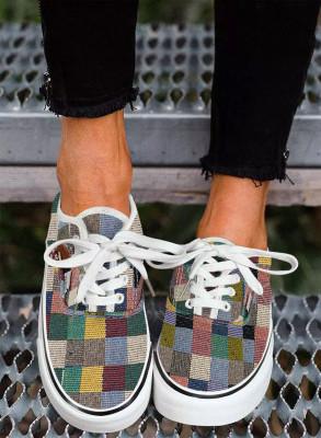 Mehrfarbige Sneakers mit Karomuster zum Schnüren
