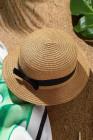 كاكي قبعة من القش