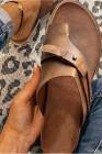 Brown Kunstleder Slip On Sandalen