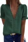Top de manga corta con cuello en V y lunares suizos de encaje verde