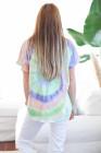 Camiseta morada con cuello en V de manga corta con efecto tie-dye