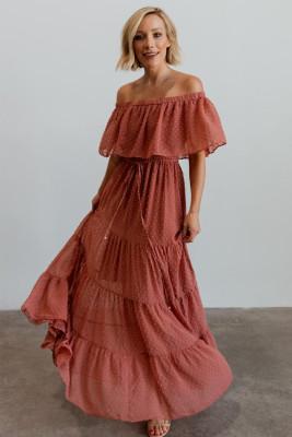 صدأ أحمر مكشوف الكتف مكشكش فستان سويسري دوت ماكسي