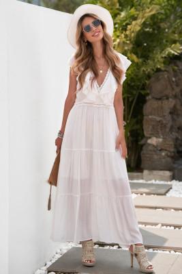 فستان ماكسي بياقة V عميقة مكشكشة من الدانتيل الأبيض