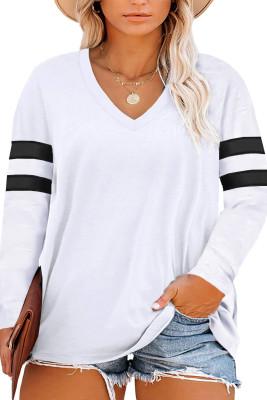 Белый топ с длинным рукавом и вышивкой в полоску с V-образным вырезом