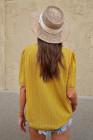 Top de manga corta con cuello en V de empalme de encaje amarillo