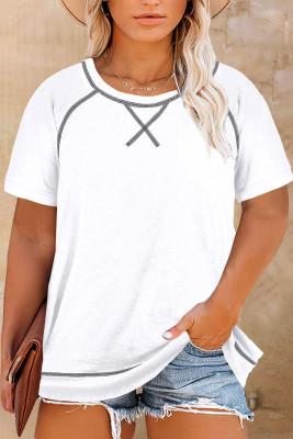 Белая футболка с короткими рукавами и круглым вырезом большого размера